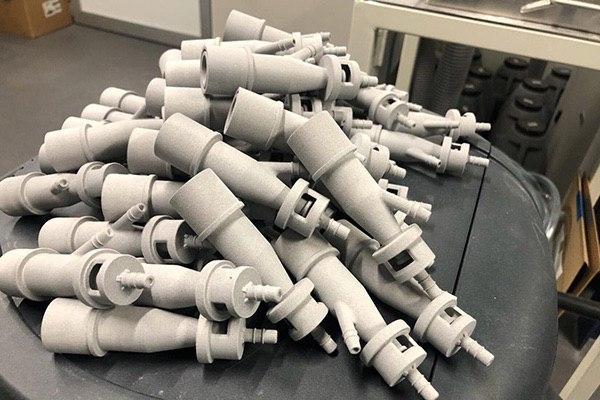 ساخت دستگاه تنفس هوا برای بیماران ویروس کرونا با پرینتر سه بعدی